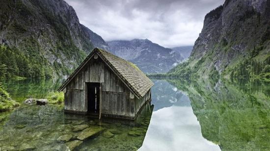 Germania - Capanna del pescatore sul lago