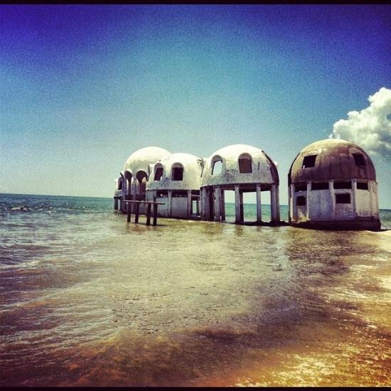 Sud Est della Florida - Case abbandonate con tetto a cupola