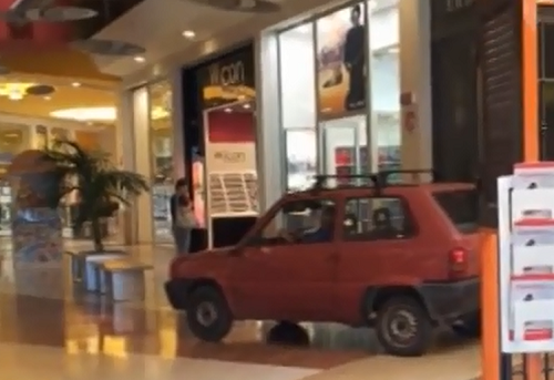 auto centro commerciale