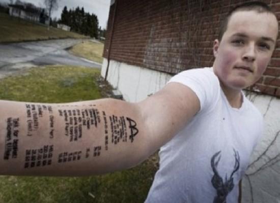 Stian Ytterdahl , l'uomo che si è tatuato lo scontrino di Mc Donald's per scommessa