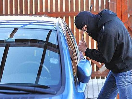 ladro-auto