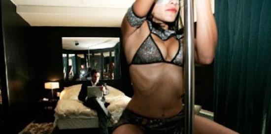 uomo-collauda-prostitute