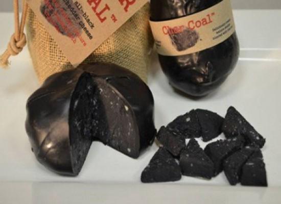 Char Coal Cheese, il formaggio fatto con il carbone