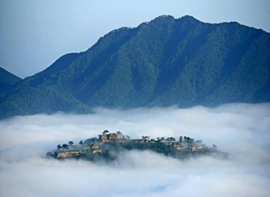 Takeda, l'incantevole castello tra le nuvole in Giappone