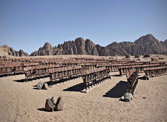 Il cinema abbandonato nel deserto del Sinai