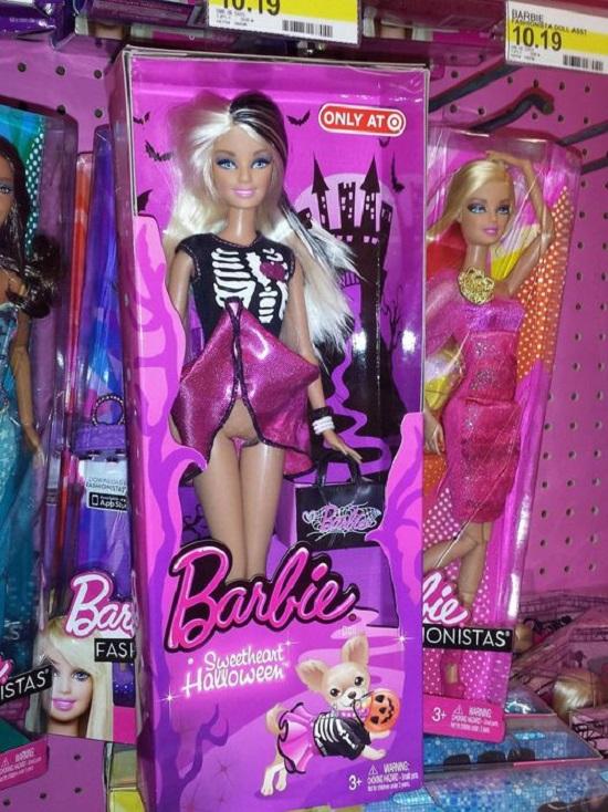 barbie nuda