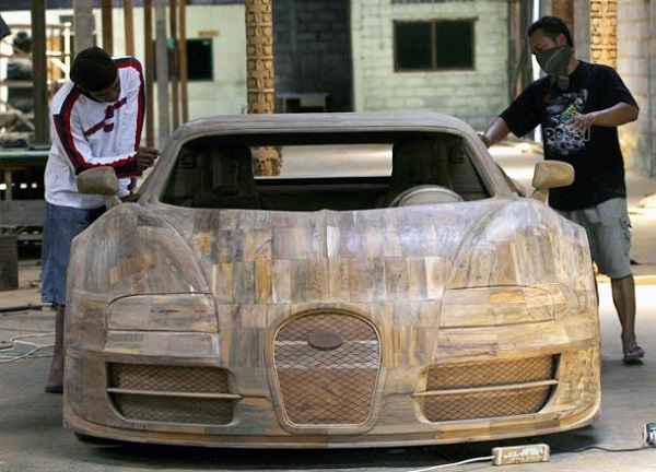 bugatti veyron in legno