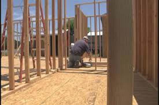 Cieco costruisce la sua casa dei sogni in legno for Costruire la casa dei miei sogni online