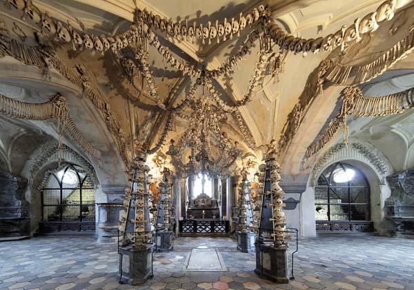 chiesa cimitero ossa