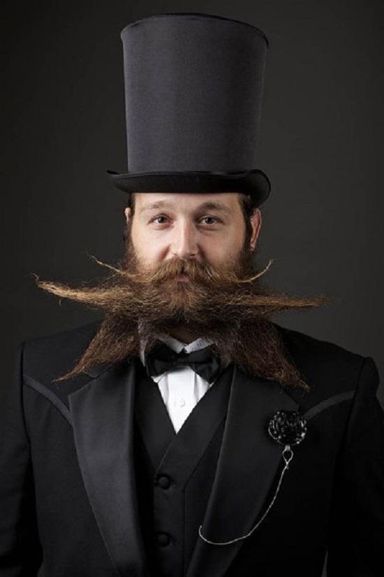gara baffi e barba