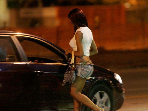 moglie scopre prostituta nigeriana