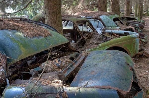 cimitero automobili Chatillon