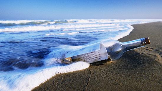 bottiglia contenente un messaggio
