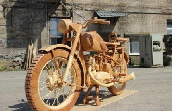 moto verniciata vernice legno