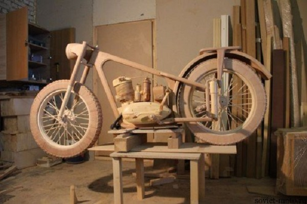 moto epoca vernice in legno