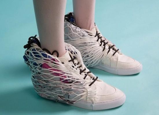 Le scarpe sportive che diventano una tenda da campeggio