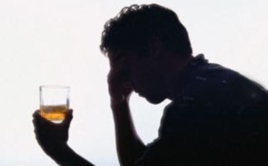 Lalcolismo che a malattie porta a