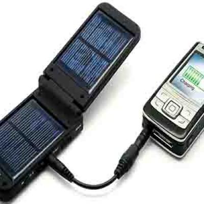 A 18 anni inventa un sistema capace di ricaricare la batteria dello Smartphone in 20/30 secondi