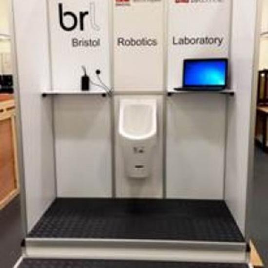 elettricità con urina