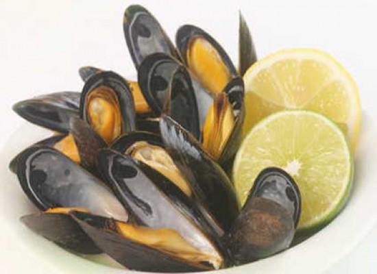 Il limone disinfetta i frutti di mare crudi?