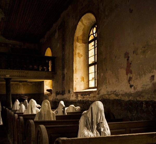 chiesa abbandonata cristiana