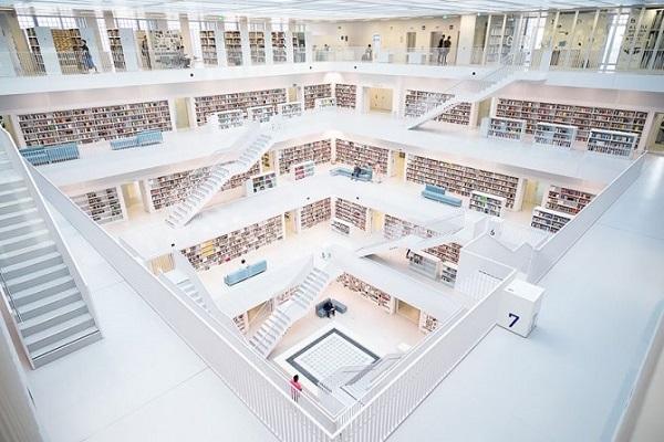biblioteca della citta di stoccarda in germania