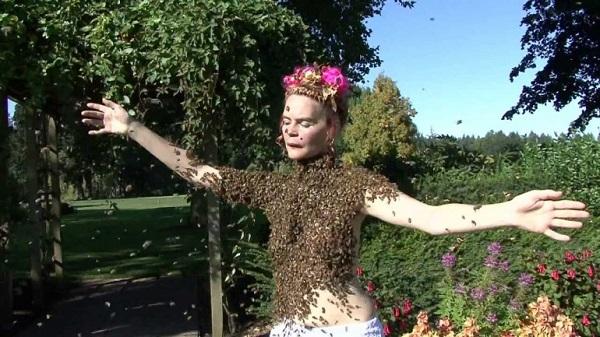 balla con le api