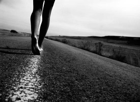 Camminare 2 minuti ogni ora allunga la vita e riduce del 33% il rischio di morte