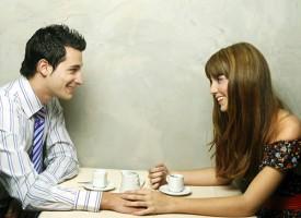 Le 30 bugie che (quasi) tutti diciamo all'inizio di un amore