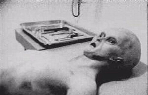 autopsia-aliena