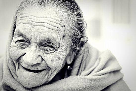 anziana pelosa