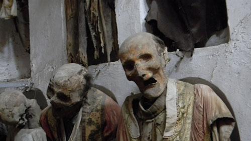 cadaveri catacombe