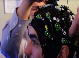 Come caricare la conoscenza sul cervello