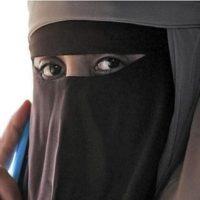Svizzera approvato il divieto di coprire integralmente il volto nei luoghi pubblici