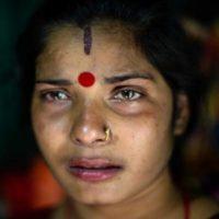 Le immagini tristi delle donne che lavorano nel bordello più antico del Bangladesh