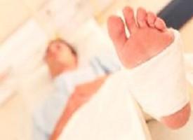 Quattro rapine in un'ora con il piede ingessato, arrestato ladro
