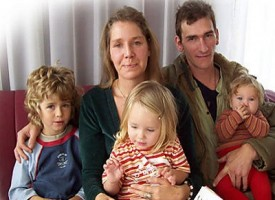 Non crede all'aids, allatta la figlia e le trasmette il virus dell'Hiv