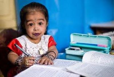 Jyoti Amge piu piccola del mondo