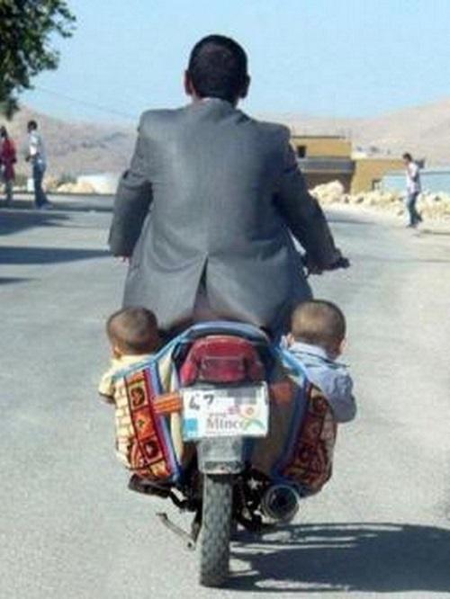 in moto-con i bambini