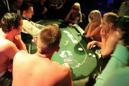 partita poker topless