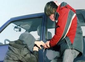 Inventa rapimento del nipote per ritrovare l'auto rubata