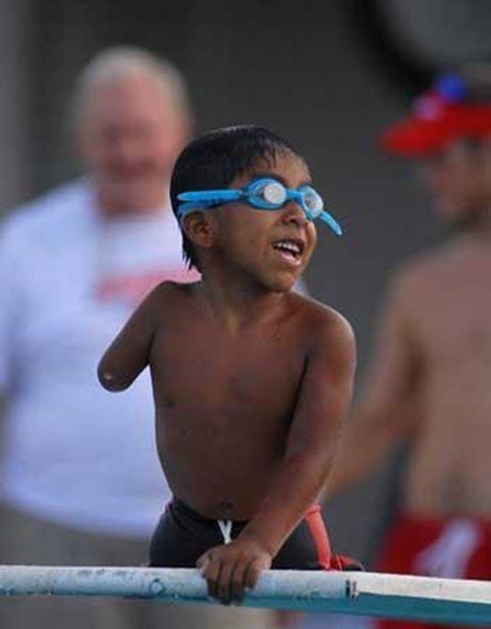 senza-braccio-campione-di-nuoto