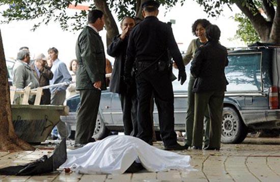 suicida-uccide-passante