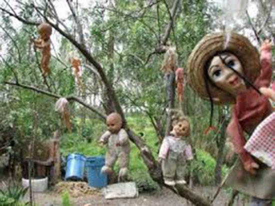 bambole inquetanti su isola messicana disabitata