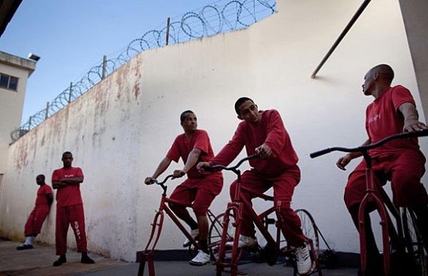 detenuti sconto pena pedalando
