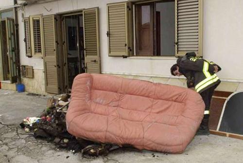 divano canneto fuoco