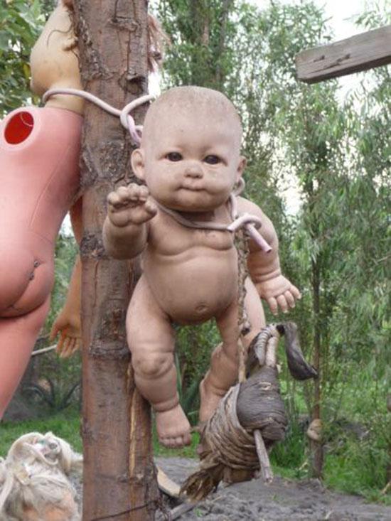 messico isola bambole mutilate