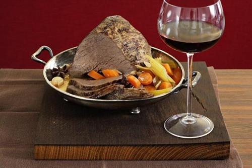 vino rosso accompagna la carne