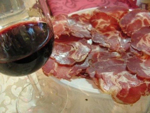 vino rosso associa la bistecca