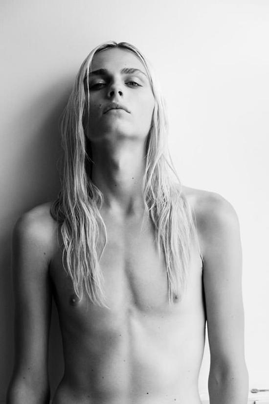 Andrej Pejic modello transessuale